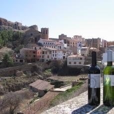 Vista de Alpuente y vino GRAN TURIA red